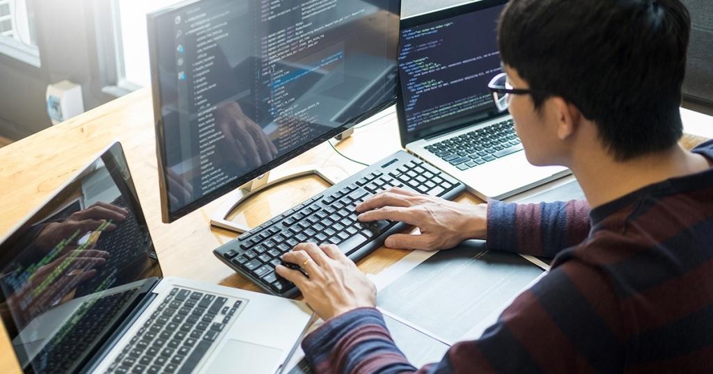 Mengenal Apa itu React Native : Developer dan Pengembangan Aplikasi & Website