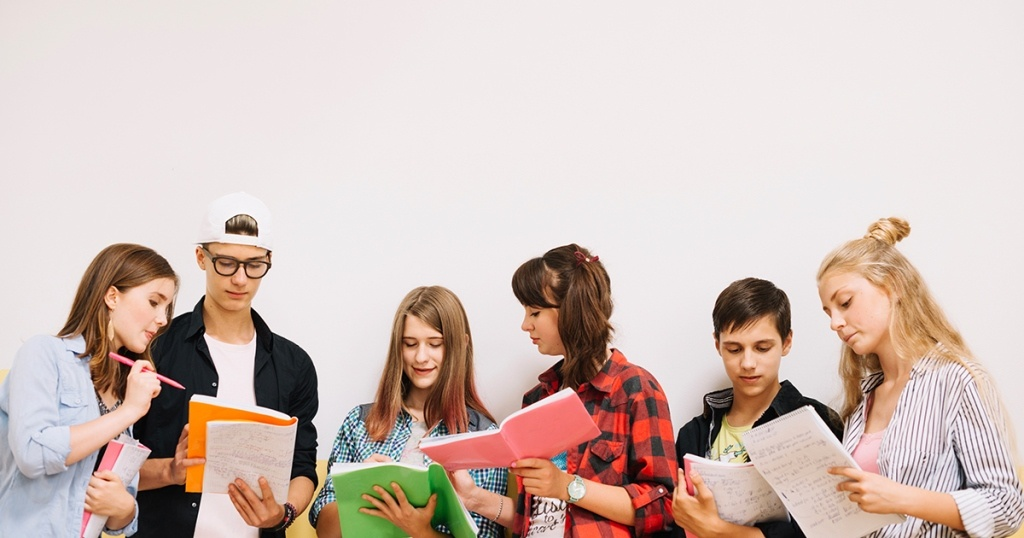 Jurusan Populer untuk Universitas Negeri dan Swasta di Indonesia