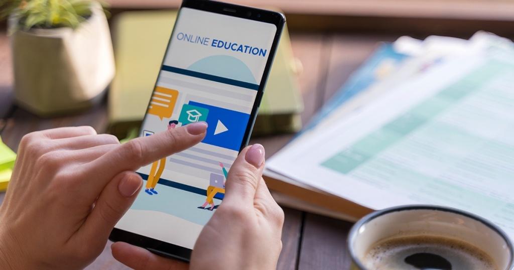 Rekomendasi Kampus di Indonesia Ini Menawarkan Program Kuliah Online