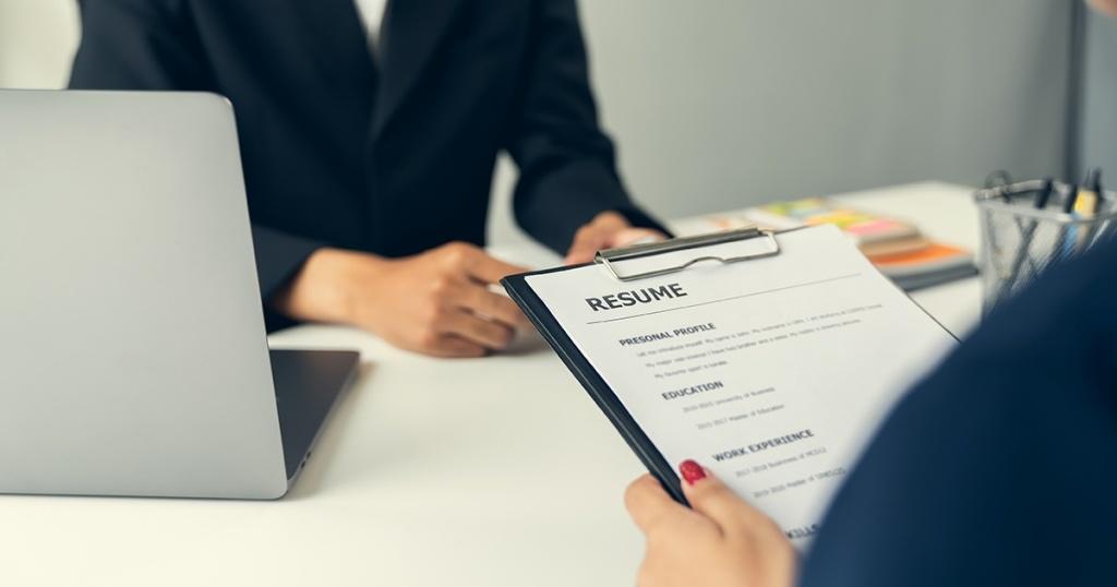 Apa itu Resume: Pengertian, Fungsi, Tujuan, dan Cara Membuatnya